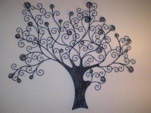Black metal wall tree
