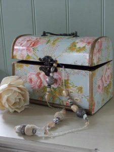 Vintage floral rose trinket box