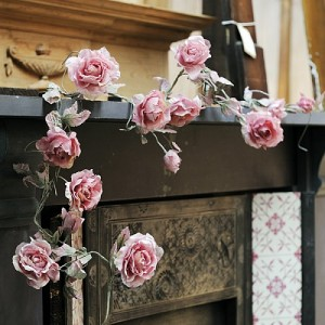 rose-flower-garland