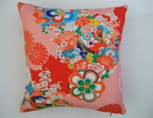Cushion made from kimono fabric