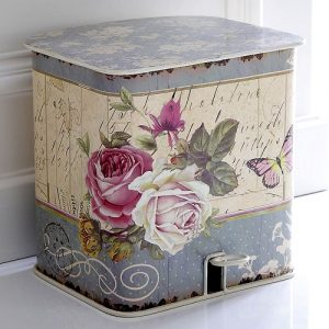 Country style roses pedal bin
