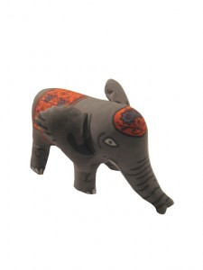 Make an elephant from a tea towel