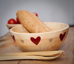Country heart large wooden bowl