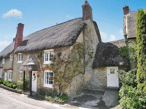 Cosy Retreats: Squirrel Cottage near Sherborne in Dorset