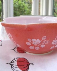Coral vintage Pyrex kitchen bowl
