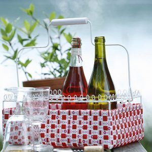 Garden bottle and drinks carrier for outdoor dining