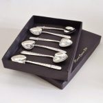 Spoon love: Set of six heart teaspoons