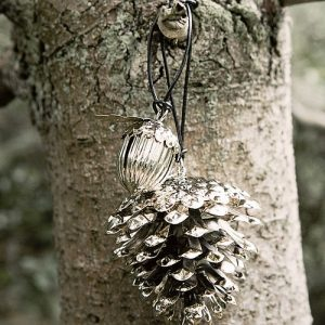 Silver metal pine cone decoration