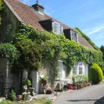 Cosy Houses: Chocolate box cottage in Batheaston