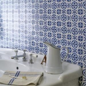 Cosy Home bathroom kitchen tile ideas