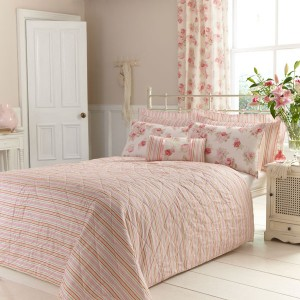 Create a cosy pink bedroom