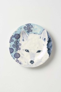 White wolf design plate