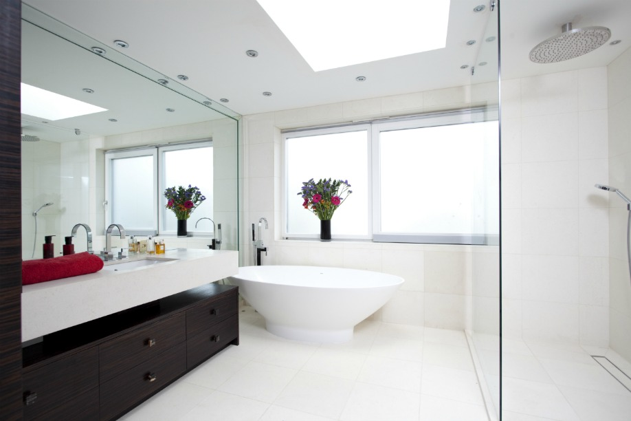 Perfect designer cosy home bathroom