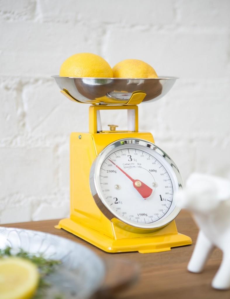 Sunny yellow retro kitchen scales