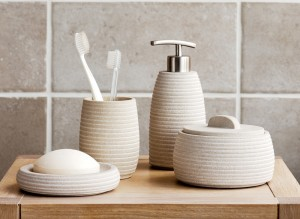8 Accessories to Make Your Bathroom Beautiful