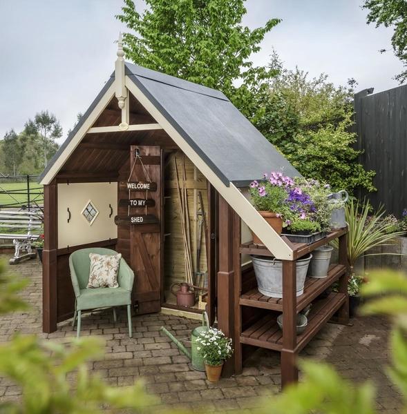 RHS Cosy Nook shed garden building