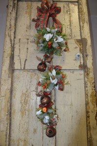 How to make a festive Christmas door hanging decoration