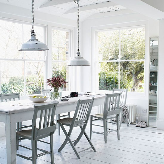 Use a conservatory as a dining room