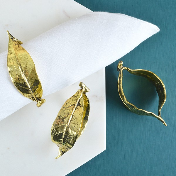 Lay your table in style and add these gorgeous gold leaf napkin rings