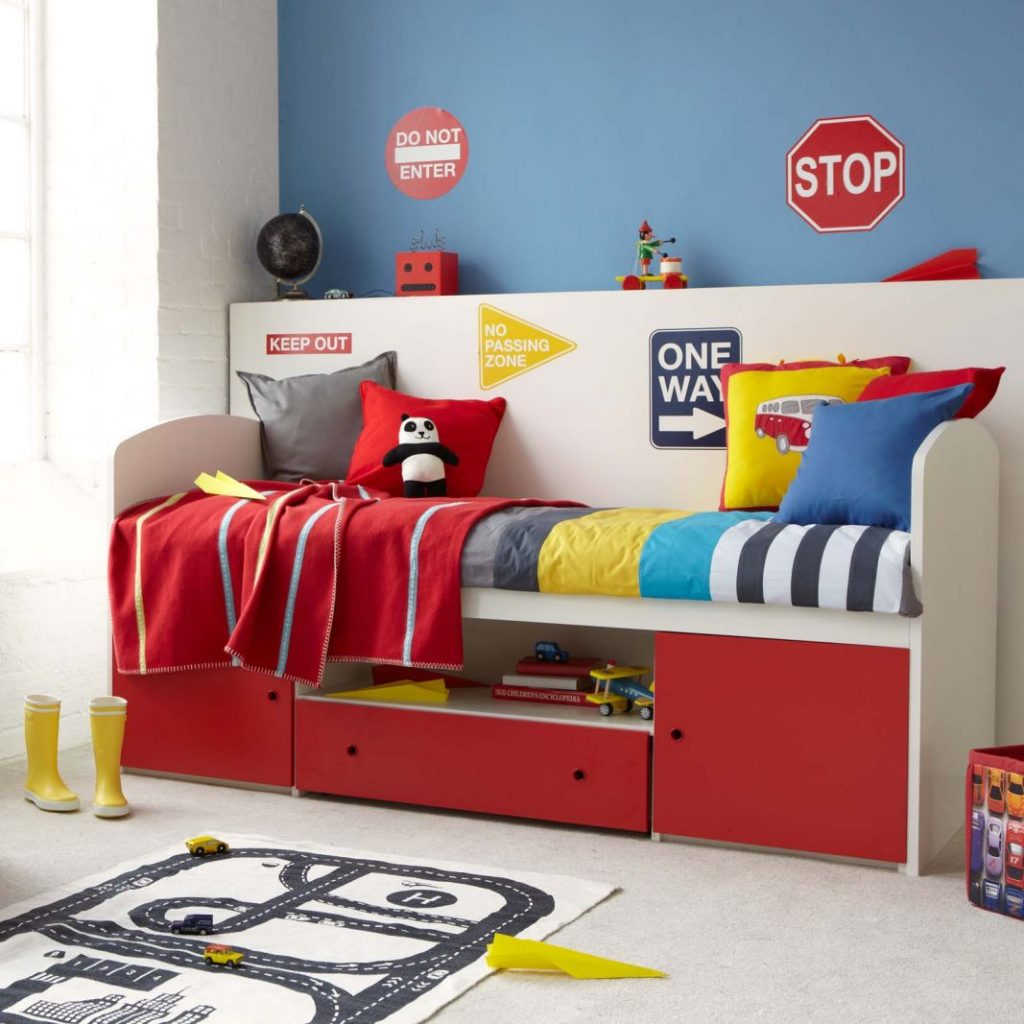 How to: maximise space in a child's small bedroom
