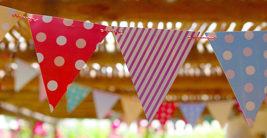 Five tips for planning the perfect summer party on a budget