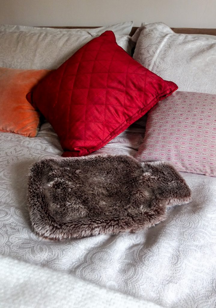 Essential textures and cosy ideas for styling a warm bedroom