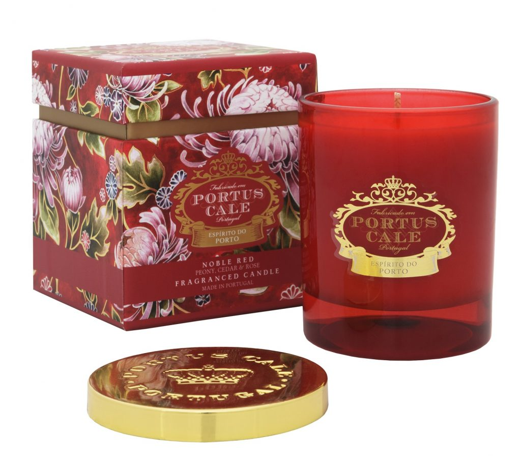 Gorgeous scented candle that's perfect for a Valentine's Day homeware gift idea