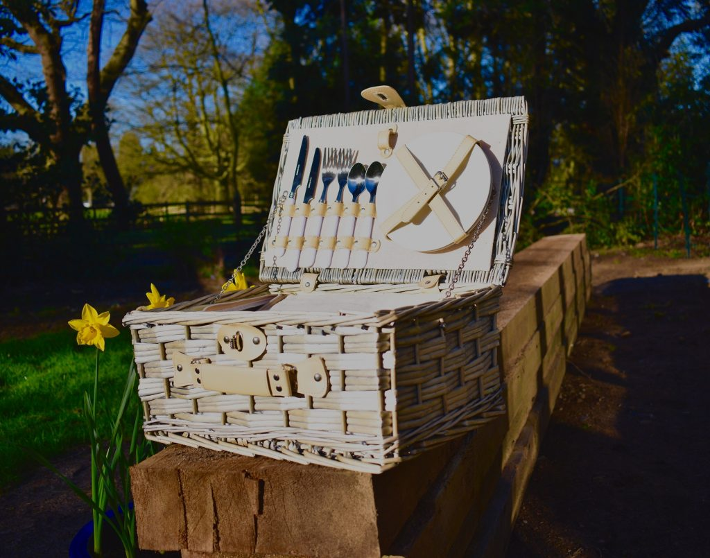 This is a great vintage style wicker picnic hamper for two and comes equipped with all you need for outdoor dining