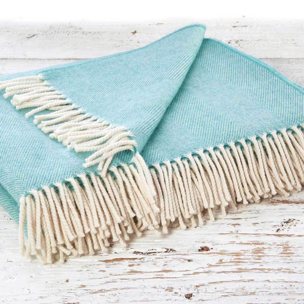 Neo-mint colour merino throw