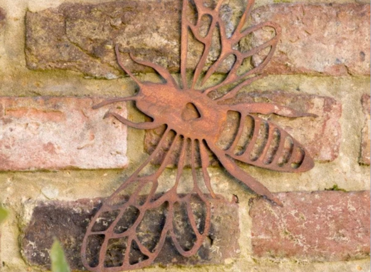 Garden wall art ideas to brighten your garden
