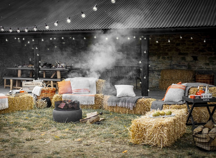 10 accessories for a bonfire night party