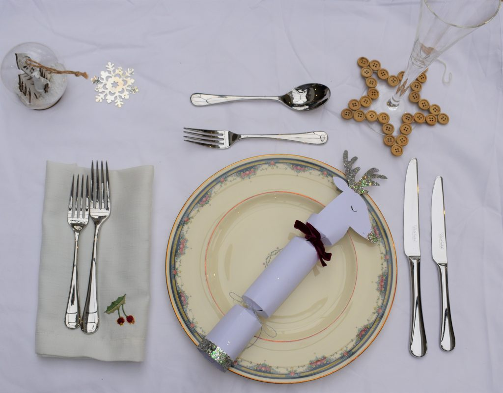 Glitter reindeer Christmas crackers are the perfect addition to a festive table