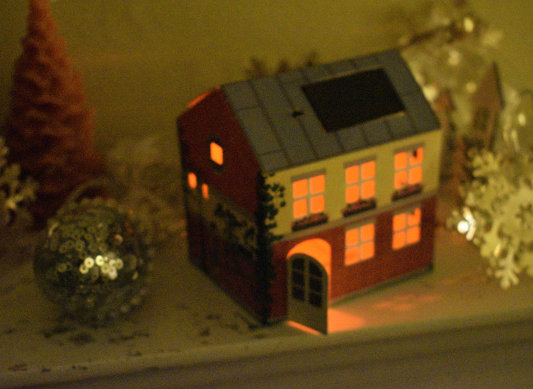 Light up your Christmas with Litogami's solar powered houses