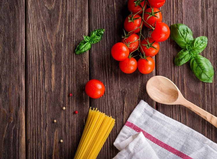 5 cookery hints and tips to make food planning easier during lockdown