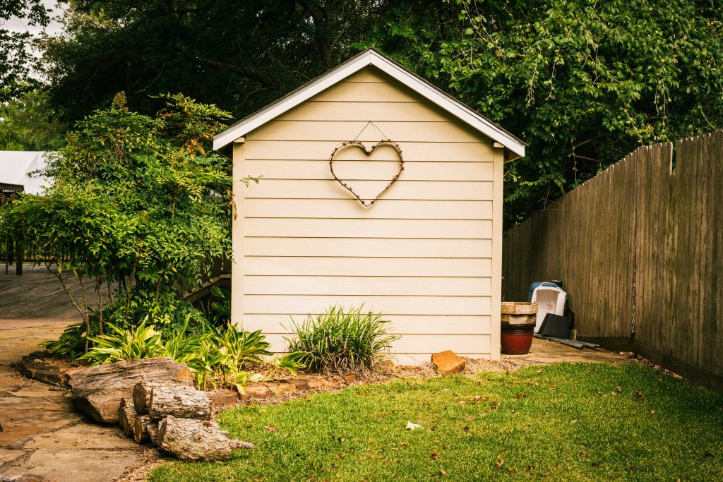 Selling Your Property? 4 Things You Can Do That Add Value To Your Garden