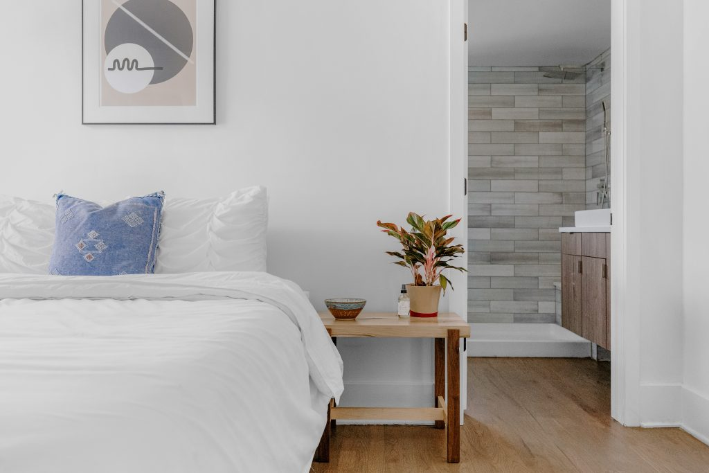Cool cotton bedding is a good choice for summer nights